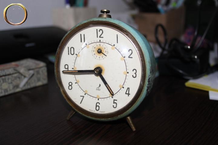 Réveil mécanique JAZ bleu - Collection - Horlogerie