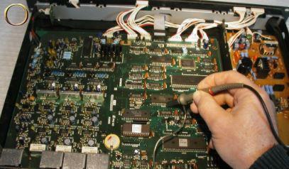 Réparateur audiovisuel et autres au composant - Réparation : Haut parleur - Enceinte - Micro - Console - Lumière - Projecteur