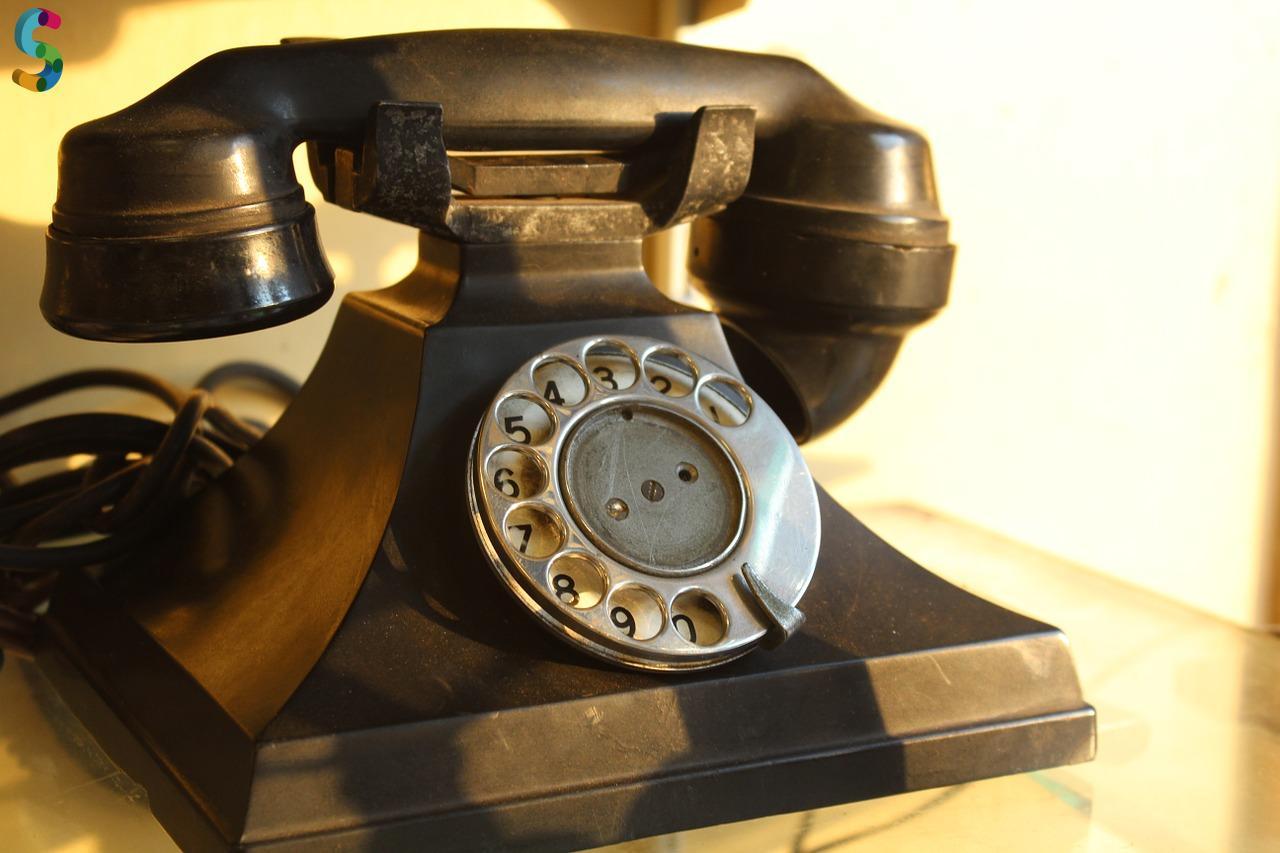 Téléphone Vintage en laiton
