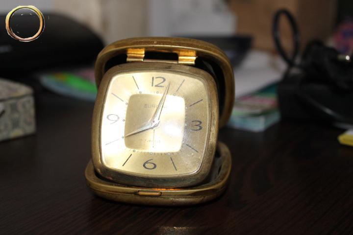 Réveil de voyage EUROPA - couleur or - Horlogerie