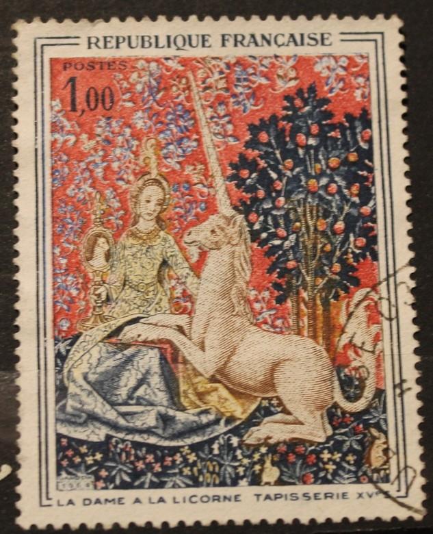 Timbre 1,00 la dame à la licorne